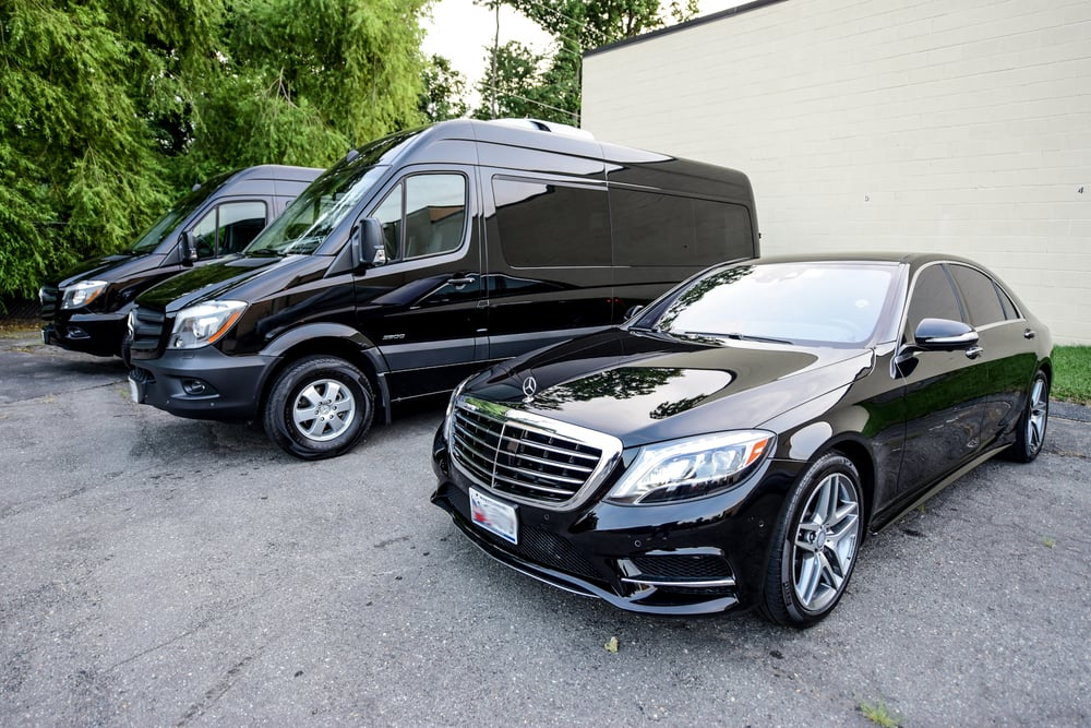 AIRPORT SHUTTLE, CHARTER, LIMO AND TAXI SERVICE